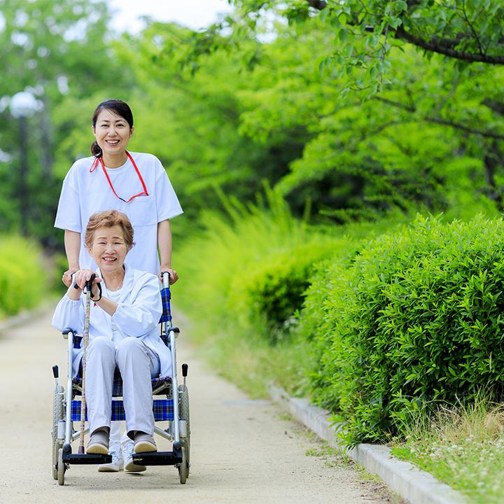 国が推進する介護保険外サービス「地域包括ケアシステム」